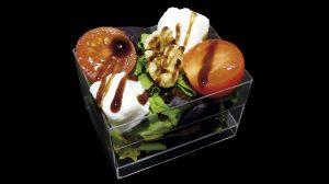 Salade de mozzarella avec tomates cherries et noix