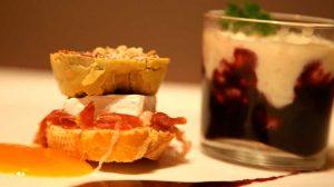 Terrine de foie faite maison avec de la gelée de pomme et vanille